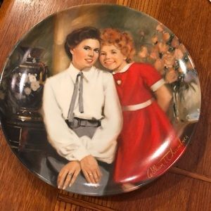 "Knowles China ""Annie"" collectors Plate"